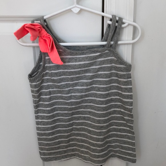 Old Navy Other - Girls 5T Bow tank top